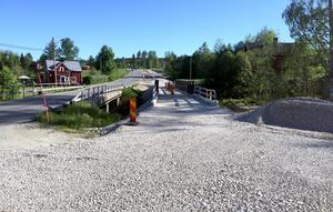 En ny bro har byggts över Värstaån.