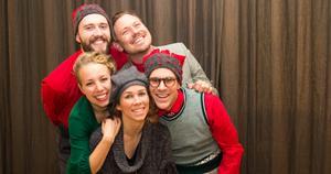Jakob Bergelin, Mattias Lundmark, Maja Hellsten, Mikaela Hellsten och Markus Rosendal ingår i ensemblen Lindy Christmas.