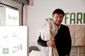 Johan Andersson vill lansera en ny fluga i hälsobranschen – tyngdtäcken som får dig att  sova gott.