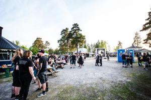 Antalet besökare väntas bli kring 1500 personer under helgen, men då tidningen var kvällen tidig och många var dessutom kvar på campingen.