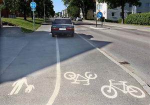 Den blåa volvo som retat upp boende i området vid Brunnhusgatan och Johan Nybergs väg ska tas bort.