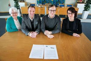 Inger Back(L), Mikael Kyller(KD), Sebastian Larsson (M) och Ulrika Liljeberg (C) tar ett omtag med skolfrågan i Leksand.