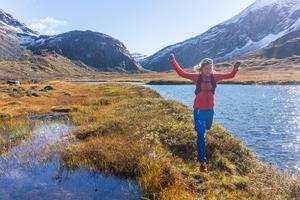 Emelie Forsberg från Härnösand har vidderna och bergstopparna som arbetsplats. Foto: Kilian Jornet
