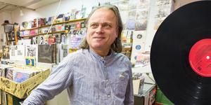 Vinylen har ju aldrig dött utan fortsatt att leva. De senaste fem-sex åren har efterfrågan ökat, men det kommer säkert att plana ut, säger Bananamoons Pelle Handfast.