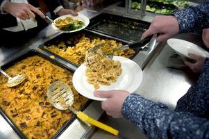 Arkivbild. Skolköken får tillgång till tjänligt vatten från Sandhem och slipper koka allt vatten som ska användas i matlagningen.