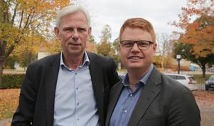 Näringslivschefen Lennart Silfverin och kommunalrådet Fredrik Rönning är belåtna över att EcoDC ska utreda möjligheterna för en etablering i Smedjebacken.