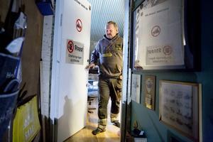 I det allra heligaste får bara särskilt inbjudna komma in. Här förvarar Lars den lastbilsnostalgi som ligger honom varmast om hjärtat.