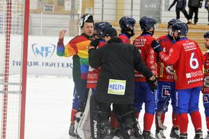 UNIK åker ur allsvenskan efter kvalspel. Nu är assisterande tränaren Andreas Heeger klar för Ljusdals BK den kommande två åren.