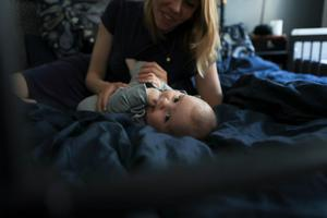 – Det är klurigt att leva sitt liv under tiden. Man styr hela livet kring läkarbesök och sprutor, säger Fanny Grönlund.