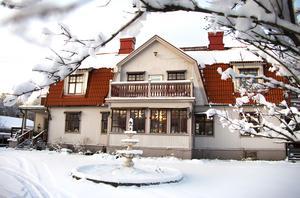 Storgården i Hagaström byggdes av byggmästaren Östling i början av förra seklet.