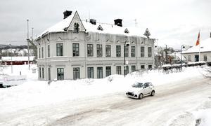 Det gamla trähuset vid järnvägsstation räddas undan rivning. Huset ska istället flyttas när resecentrum byggs.