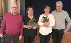 Lars-Göran Ljungdahl och Sigvard Åkesson tackade Anette Westberg, Forum Kvarnsveden,  och Louise Gunnars, HSO, för sina insatser. Foto: Kaare Andersson.