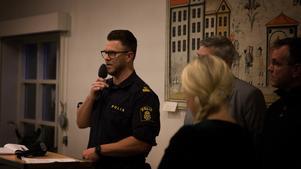 """Thomas Nordström berättade att man ska bibehålla den ökade närvaron i Krylbo och att man skulle göra punktinsatser. """"Ni kommer märka när det händer"""", sa han."""