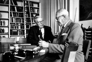 Radio på kungligt uppdrag: Sven Jerring intervjuar Gustav VI Adolf.