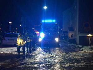 En brand i en lägenhet i Borlänge orsakades av brinnande stearinljus. Nu åtalas lägenhetsinnehavaren misstänkt för allmänfarlig vårdslöshet.