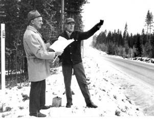 I november 1975 blev det efter lång tids kamp klart med byggandet av Backesågen efter ett regeringsbeslut om bidrag. Åke Andersson och Folke Olofsson började genast planera var sågverket skulle ligga. ett 40-tal fick jobb när sågen var färdigbyggd 1975. 2005 las sågen ner.