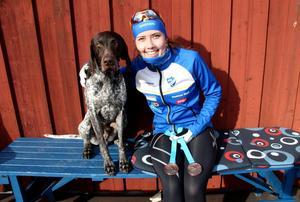 Madelene Nord tillsammans med sin hund Simba, som hon vann EM-brons tillsammans med som junior 2016.