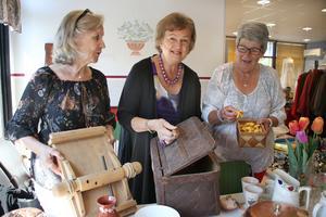 Catarina Engström, Anette Jacobsson och Berit Pettersson hade så mycket prylar och kläder som de ville bli av med så de hyrde Meritors fritidsgård hela helgen. Försäljningen gick bättre än de hade hoppats på.