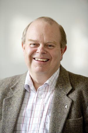 Torgny Larsson, ny ordförande för stiftelsen Arkivcentrum, är nöjd med regionens, kommunens och andra bidraggivares uppslutning kring arkivets flytt. Arkivfoto