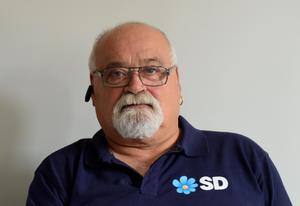 Kent Forschner-Hell (SD) vill inte slå igen skolan.