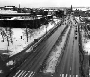 Rådhusgatan 1984. Det mesta är sig likt jämfört med i dag.