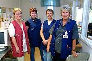 Foto: LEIF JÄDERBERGNya tider. Läkarsekreterarna Anna-Lena Hedblom, Gun Persson, Lena Westblom och Lena Gustafsson ska som de första landstingsanställda börja jobba enligt 3-3-systemet. Lyckas försöket kan de få många efterföljare.