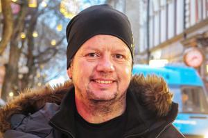 Lennart Bylund, 52 år, Näcksta: – Nja, det kanske blir att jag prenumererar på en tidning. Men jag har slutat med tunga nyårslöften.