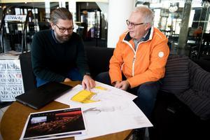 Modo Hockey har arbetet med planerna för en utbyggnad med en scen och en ny ishall i ungefär ett år. Modo Hockeys ordförande Ulf Strinnholm och eventchefen Linus Håkansson tror mycket på förslaget och hoppas att kommunen ska se fördelarna i deras idé.