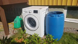 En tvättmaskin ska till ett sjukhus i Moldaviens näst största stad. Tidigare somras provkördes den så att allt fungerade som det skulle.Foto: Privat