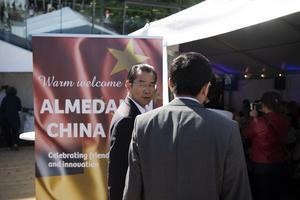 Kinas ambassadör i Sverige Gui Congyou vid Kinas monter i Almedalen. Foto:Henrik Montgomery/TT