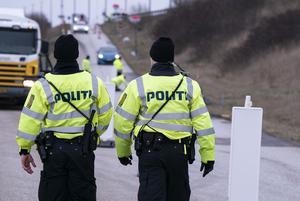 Trafiken över Öresundsbron stoppas av dansk polis. Men gränskontroller hindrar inte smittan, skriver Abir Al Sahlani (C).
