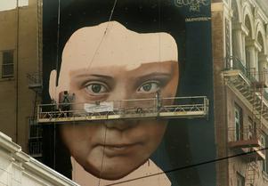 Greta Thunberg blir muralmålning i San Fransisco. Foto: Ben Margot/AP/TT