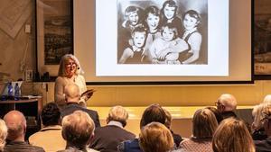 Aila Nordhs bok om familjens historia är en slags kärleksförklaring till hennes föräldrar. Foto: Peter Nyblom