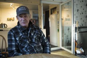 När Doug Seegers turnérar i Sverige och i övriga Europa så är Norrtälje och skivbolaget Rootsy musics studio där hans fasta punkt där han har ett eget litet krypin på tomten.