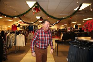 Malte Lundh har alltid älskat sitt jobb och det är väl därför han fortfarande jobbar ibland drygt 16 år efter pension.