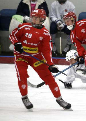 Jacob Sjölander, 16, gjorde fyra mål när Nitro/Nora vann sista kvalmatchen till allsvenskan. Arkivfoto
