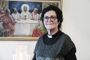 I Alfta har ett stycke oanvänd, inköpt mark, blivit askgravlund, berättar kyrkoherde Lena Wängmark.
