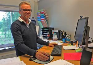 Skolchefen Lars Kratz saknar politisk styrning.