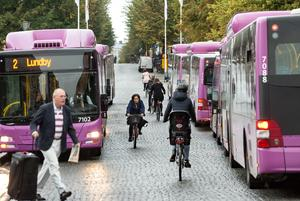Även synskadade måste kunna åka buss.