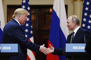 USAs president Donald Trump och Rysslands president Vladimir Putin på toppmötet i presidentpalatset i Helsingfors i Finland, måndag 16 juli 2018. Foto: AP Photo/Alexander Zemlianichenko.
