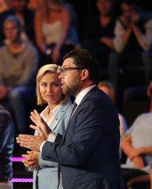 Ebba Busch och Jimmie Åkesson använder råa ord för att skada demokratin. Foto: TT
