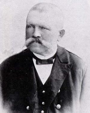 Den stränge tulltjänstemannen Alois Hitler omkring 1900. Foto: Okänd