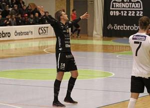 Fredrik Johnsson gjorde två mål inom loppet av tio sekunder när Örebro FC besegrad Halmstad BK på lördagen. Arkivfoto
