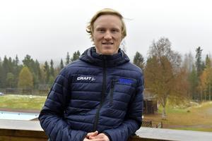 Oskar Svensson redo för en ny säsong med pallplatser i sprint som mål men också en satsning på längre distanser.