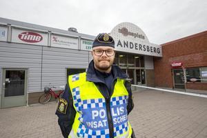 Polisen utreder ett misstänkt mord i Andersbergs centrum.