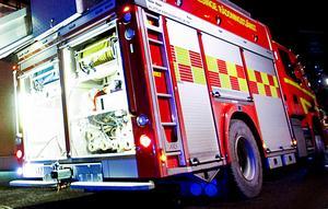 Flera räddningsstyrkor jobbade med släckningsarbetet under natten.