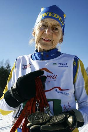 Grävde guld. Tre guldmedaljer har Ruth Svensson med sig hem till Nora från Masters World Cup i Vancouver.Bild: Malin Eriksson