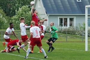 Bild från första matchen på Svegs IP.