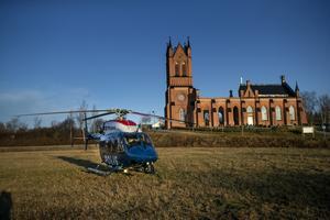 Med hjälp av värmekamera sökte polisen av marken från en helikopter.