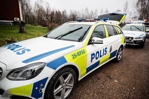 Fyra polispatruller med hundar letade efter Ann-Marie Persson under tisdagen.